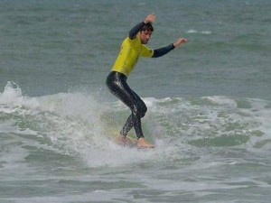 Le surfeur Robin Henry au pied du podium national
